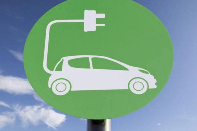 As locadoras são uma das principais alternativas para o veículo eletrificado. A Unidas oferece 400 carros elétricos com o Programa Unidas Electrics