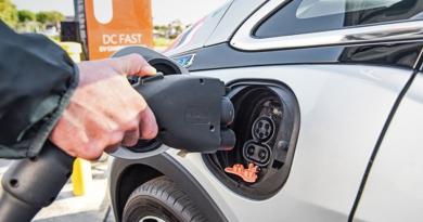 Vila Velha pode aderir ao aluguel de carros elétricos