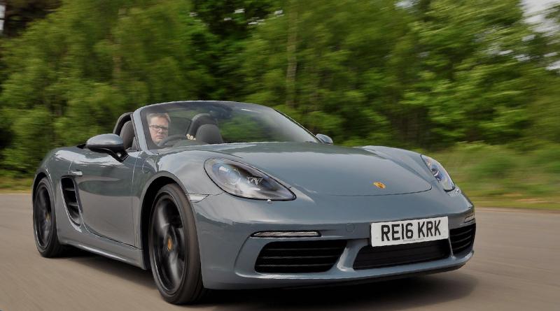 Porsche mira jovens fãs da Uber com aluguel de carros de luxo