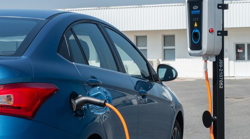 Caoa Chery prepara Arrizo 5 elétrico e um SUV híbrido que miram o Brasil.