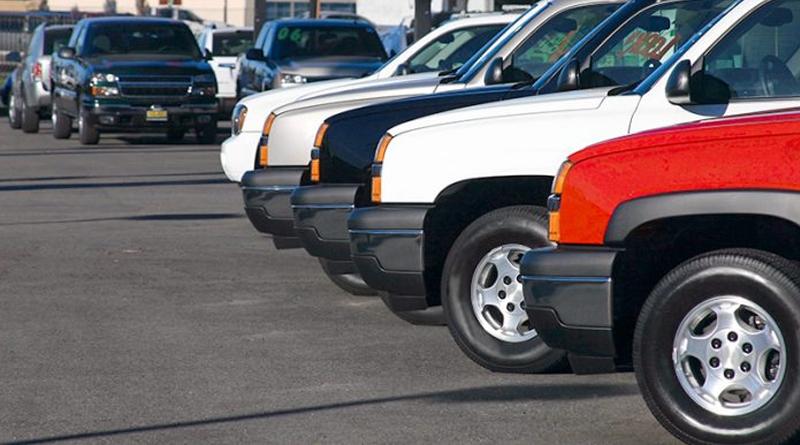 Com falta de carros, locadoras buscam veículos usados e em concessionárias