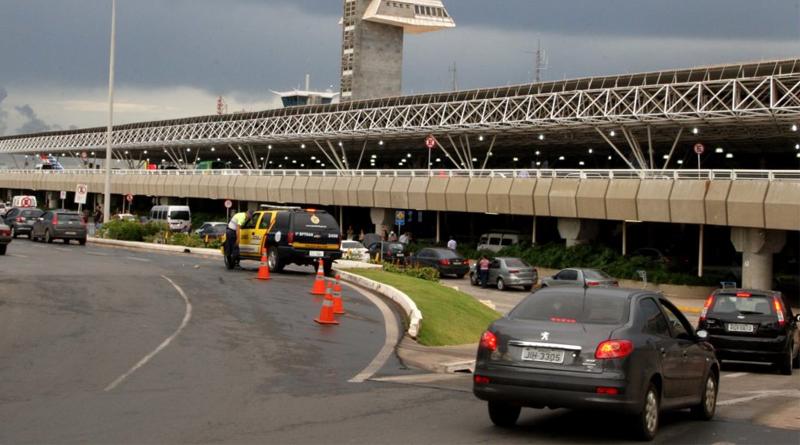 Aeroporto de Brasília terá praça para embarque em carros de aplicativo