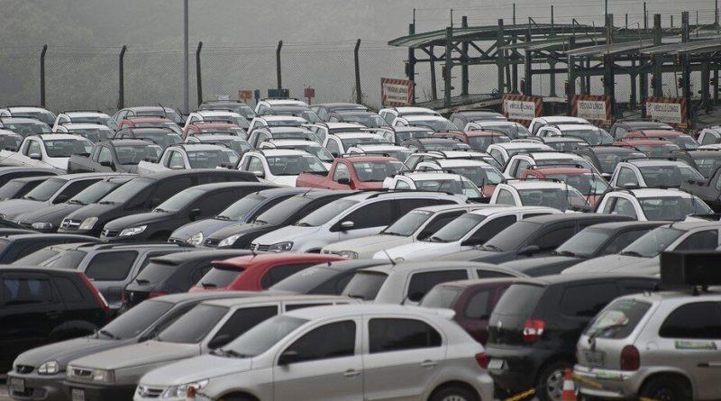 Locadoras de veículos estão com pouca frota para o fim de ano. Foto: Agência Brasil