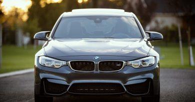 Serviço de assinatura de carros: o cliente se livra de preocupações como documentação, seguro, manutenção preventiva e corretiva, além de impostos.